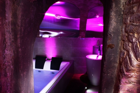 Image hebergement insolite PRIVATE ROOM & SPA